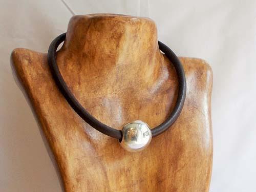 collier-argent-cuir-bijoux-ubu-paris-afriquimport-quimper-finistere