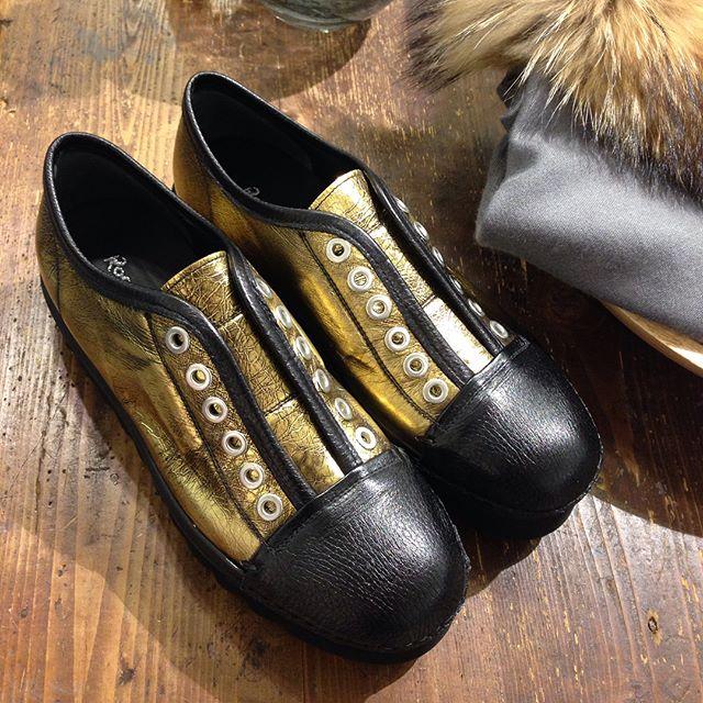 gallery_1_italjanskaja-obuv-rocco-p-jeto-nonkonformizm-i-otkaz-ot-stereotipov-2
