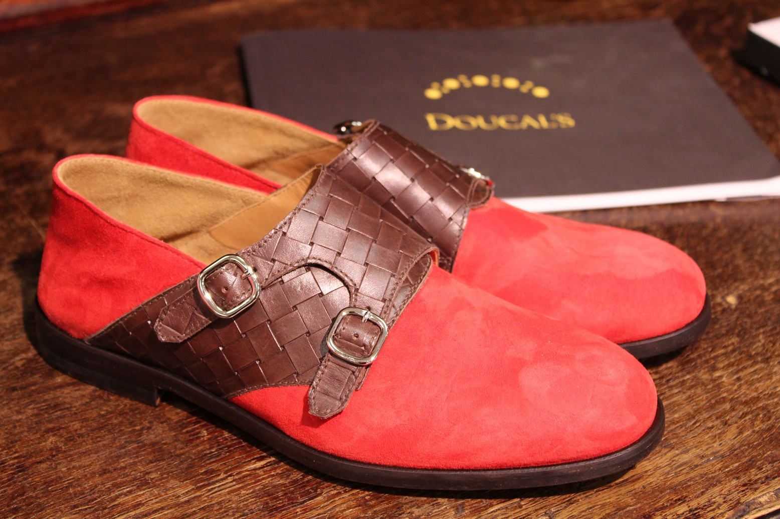 gallery_1_anglijskaja-jelegantnost-i-italjanskij-komfort-jekskljuzivnoj-obuvi-doucals-2